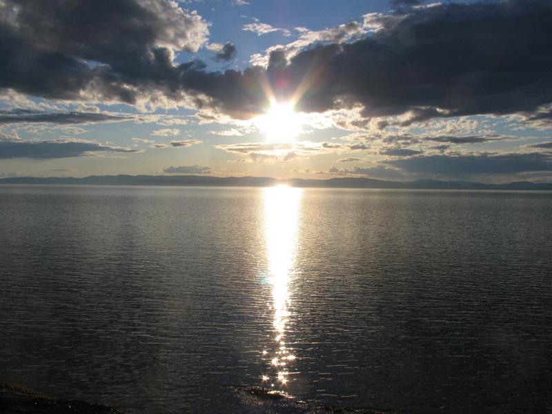 Coucher de soleil blanc (Auteur : Mario Ouimet)