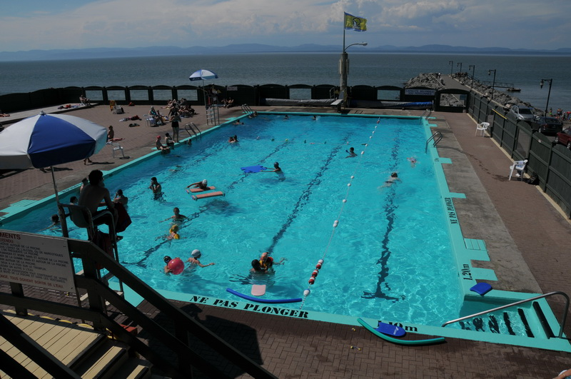 Piscine municipale (Photo : © Mario Ouimet)